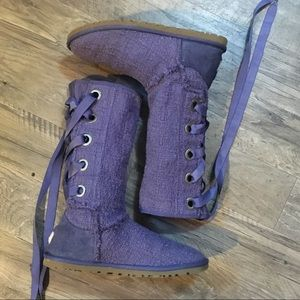 UGG Heirloom Lace Up Boots 7.5